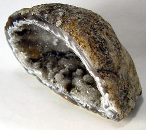 """Des découvertes archéologiques """"Improbables"""" pour l'époque? Geode_quartz"""